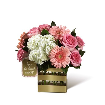 M117 Keepsake rectangle vase arrangement