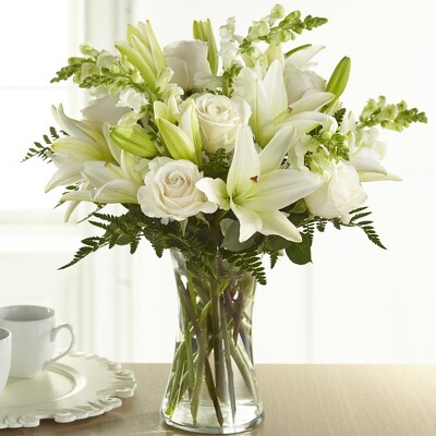 S225 Vase of White from Fabbrini's Flowers in Hoffman Estates, IL