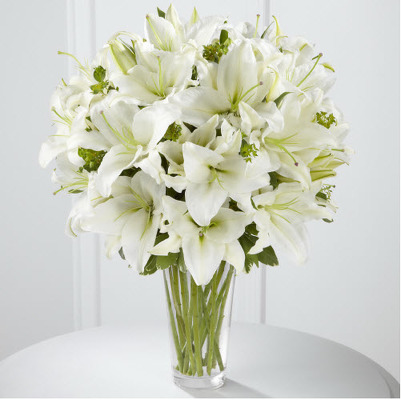 Vase all white lilies E102
