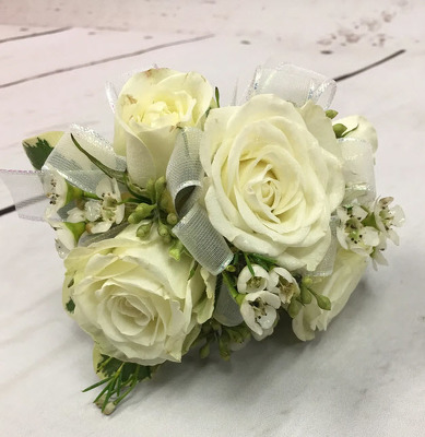 WC101 White Spray Rose Wrist Corsage from Fabbrini's Flowers in Hoffman Estates, IL