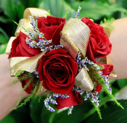 WC102 Red Spray Rose Wrist Corsage from Fabbrini's Flowers in Hoffman Estates, IL