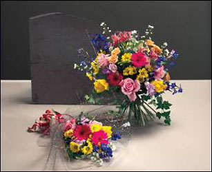 WD101 Walk in style Graduation bouquet from Fabbrini's Flowers in Hoffman Estates, IL